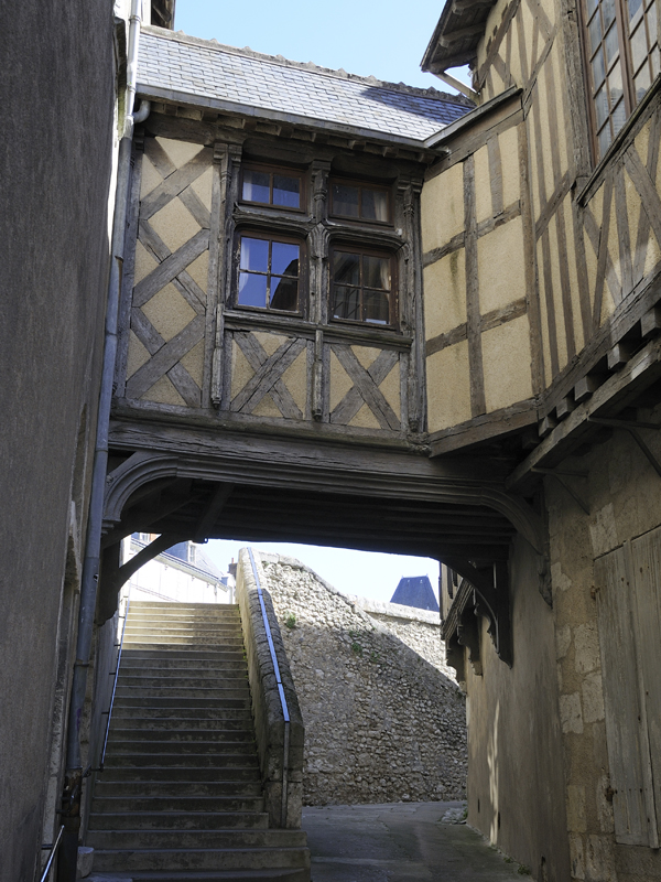 Guided visit of the old quarters of Blois©