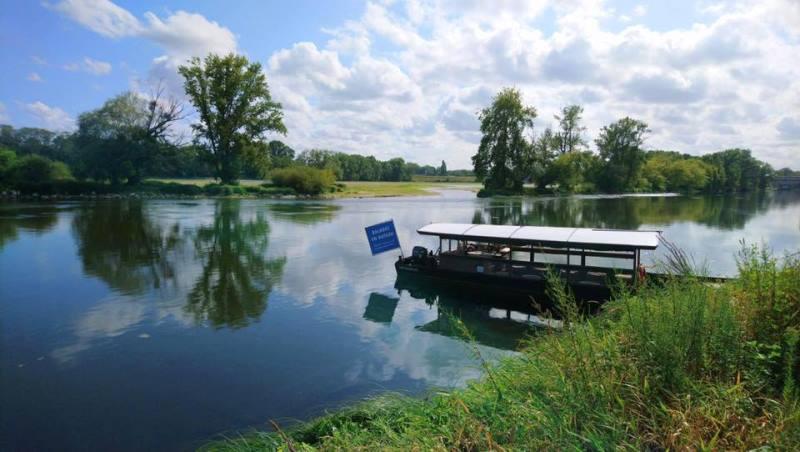 Balades et découvertes en bateau sur la Loire©